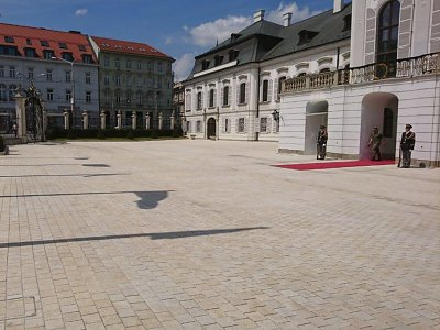 Rekonštrukcia nádvoria paláca prezidenta SR